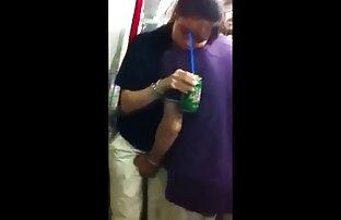 आदमी सेक्सी पिक्चर भेजो वीडियो में caresses मुंडा किट्टी हाथ busty प्रेमिका Dunashe में के स्नानघर