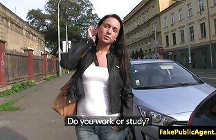 Viku लाया हिंदी में सेक्सी पिक्चर वीडियो में गया था और पैसे के लिए कार में टक्कर लगी